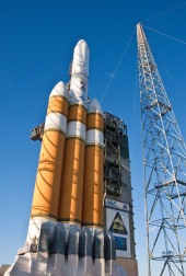 the-delta-4-heavy-rocket-set-to-launch-nrol-37-into-orbit-receives-a-final-round-of-inspection